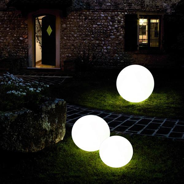 Sfere da giardino e vasi luminosi da esterno acquista online - Sfere illuminazione giardino ...