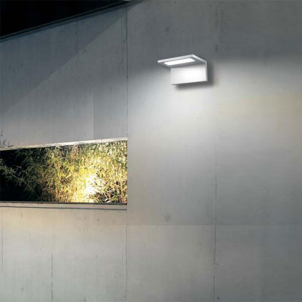 Lampade da esterno applique e paletti da giardino - Applique da esterno a led ...