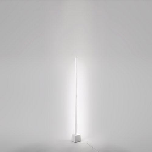 Lampada da terra a led xilema piantana moderna di design for Piantane a led ikea