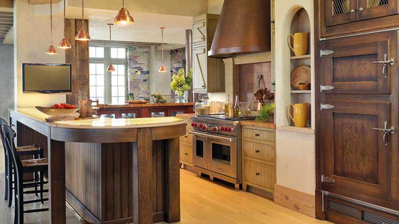Come illuminare una cucina rustica con sospensioni e applique ideali