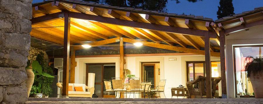 Come illuminare il terrazzo o il patio