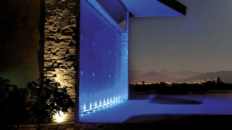 Come illuminare una parete in pietra dentro e fuori casa