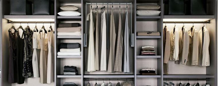 Come illuminare la cabina armadio idee e consigli pratici - Strisce led per mobili ...