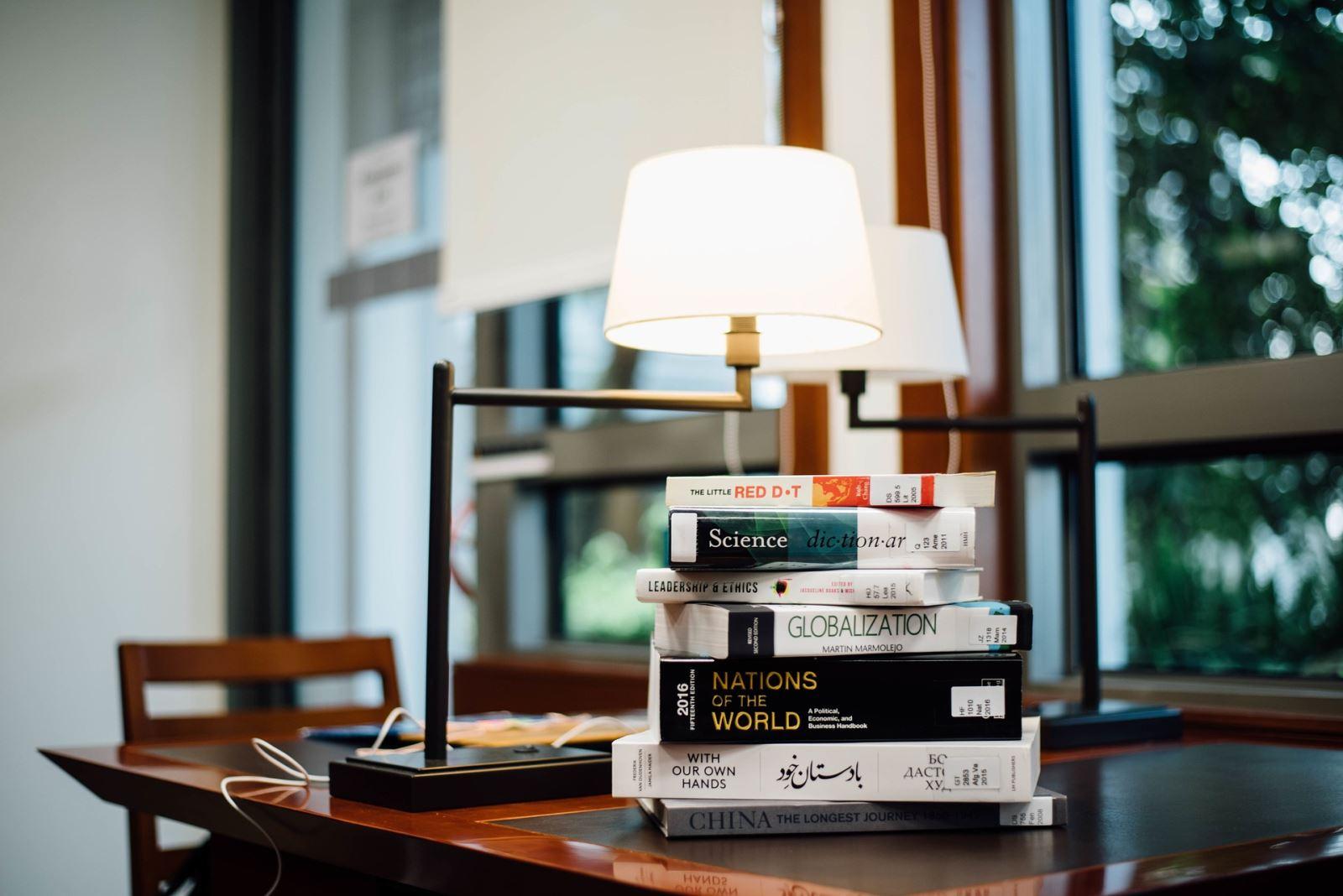 Quale Luce Per Studiare luce calda o fredda per studiare: qual è la più adatta
